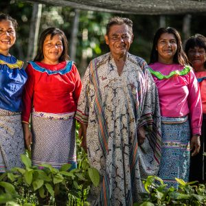 Community members grouped together from the Nii Kaniti project, Peru.